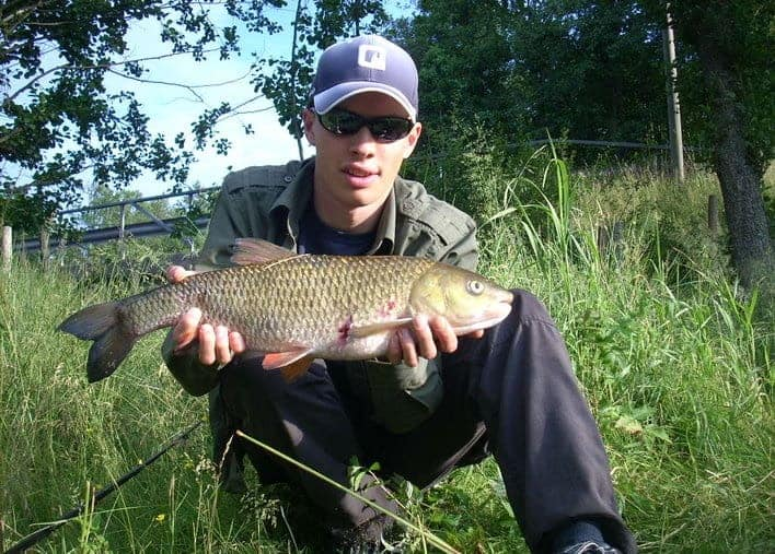 how to fish for chub on the surface
