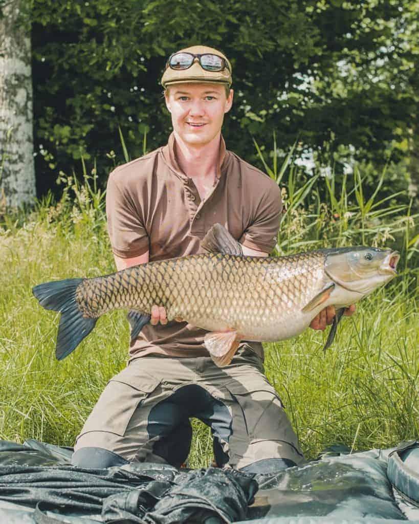 average size of grass carp