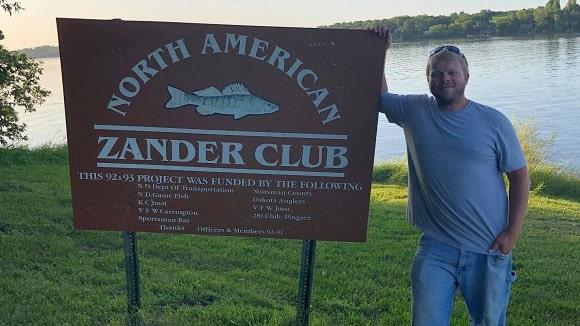a US zander angler at Spiritwood Lake